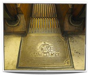 10-escalatorbottom